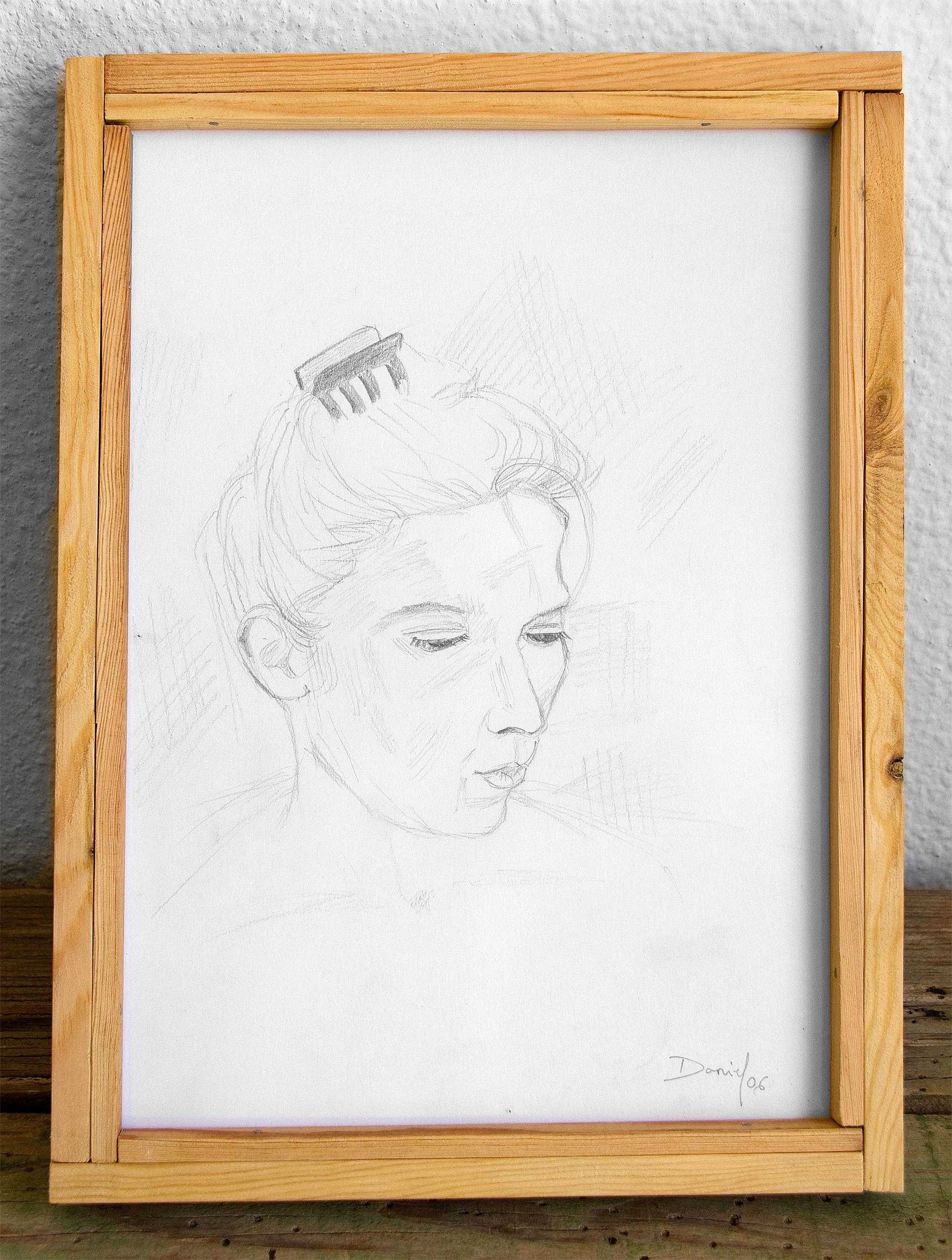 Retrato con pinza de pelo