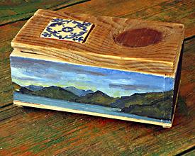 Caja con cerámica, nudo y los Frailes