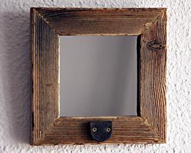 Espejo rústico con pestillo 2